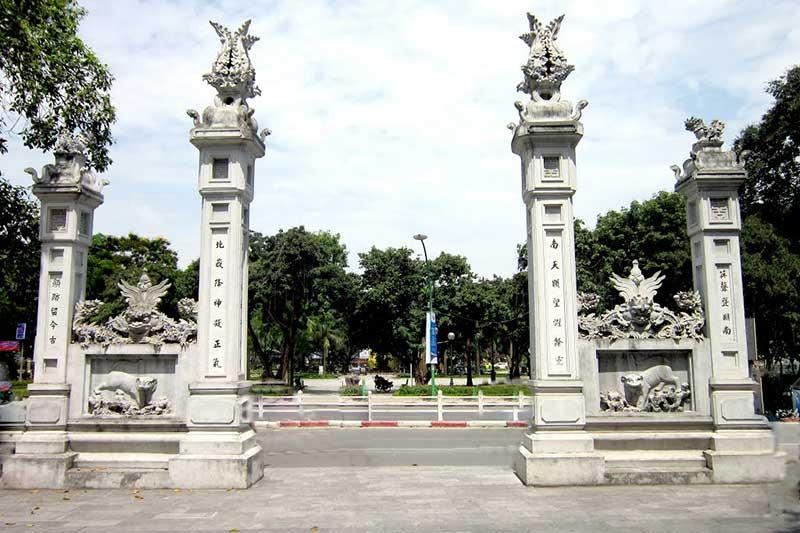 Du khách không nên bỏ qua Đền Quán Thánh khi đến Hà Nội  - Dichvuhay.vn