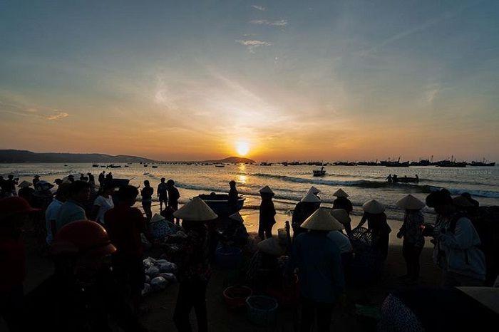 chợ ven biển - địa chỉ mua hải sản ở Đà Nẵng siêu rẻ - dulichso.vn