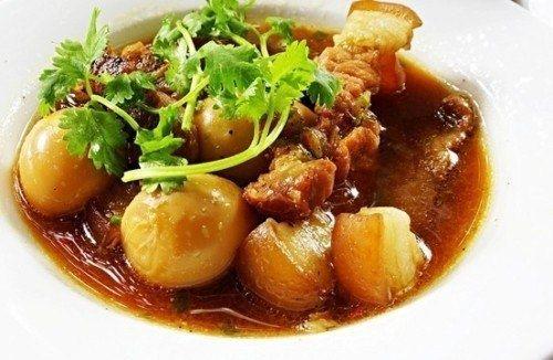 Món thịt kho trứng thơm ngon hấp dẫn khôn thể thiếu trong ngày tết của người Miền Nam - Dichvuhay.vn